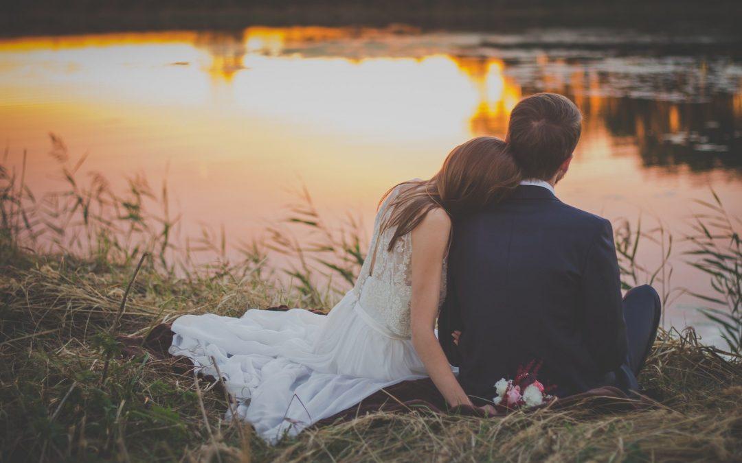 Adiar casamento